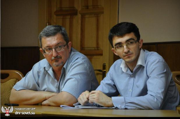 http://www.za-nauku.ru/images/stories/pictures/alexandrovy_nar_sovet_dnr.jpg